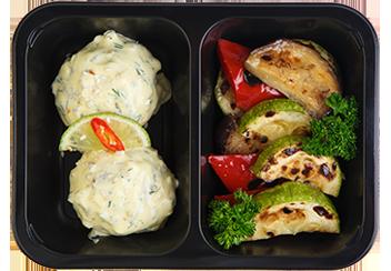 Фишболлы с соусом Тар-тар. Печеные овощи
