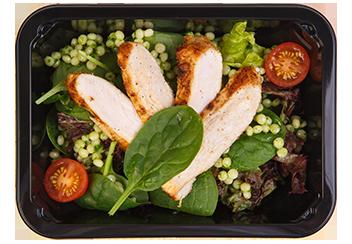 Лигурийский салат с птитимом, ростбифом и овощами
