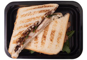 Сэндвич с карамелизованным луком и индейкой