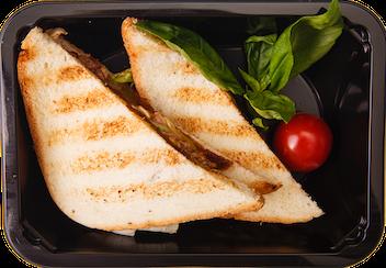 Сэндвич с говяжей грудинкой и овощами