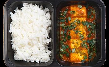 Жареный тофу с карри и жасминовым рисом