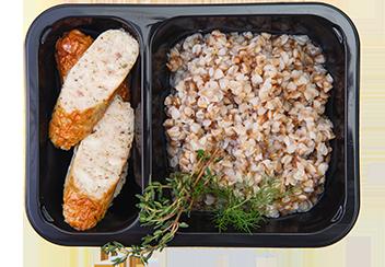 Гречневая каша с колбасками из индейки