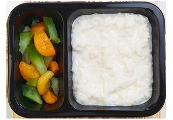 Каша рисовая на миндальном молоке с цукатами