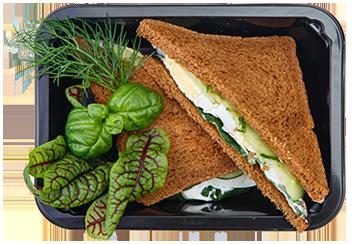 Сэндвич  яйцом и свежим огурцом
