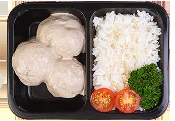 Тефтели из говядины под грибным соусом. Рис с кунжутом